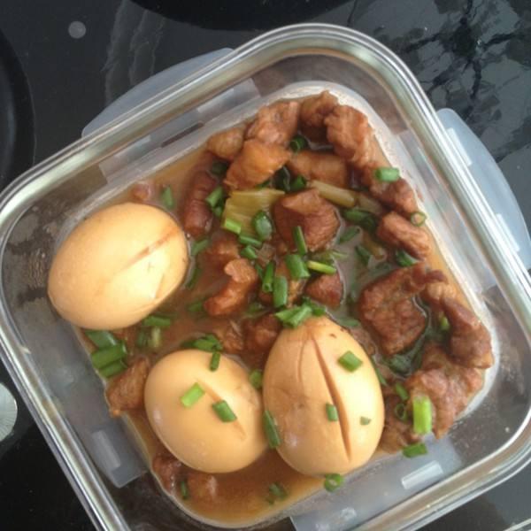五花肉卤蛋