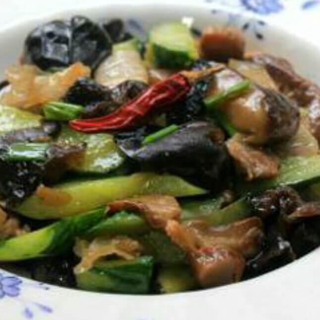 青瓜炒杂菌