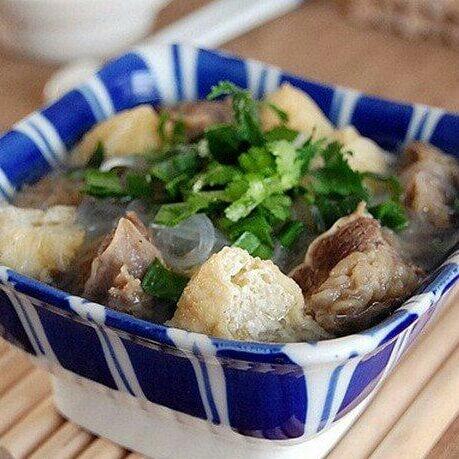 油豆腐粉丝牛腩汤