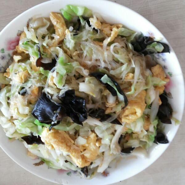 熏干炒圆白菜