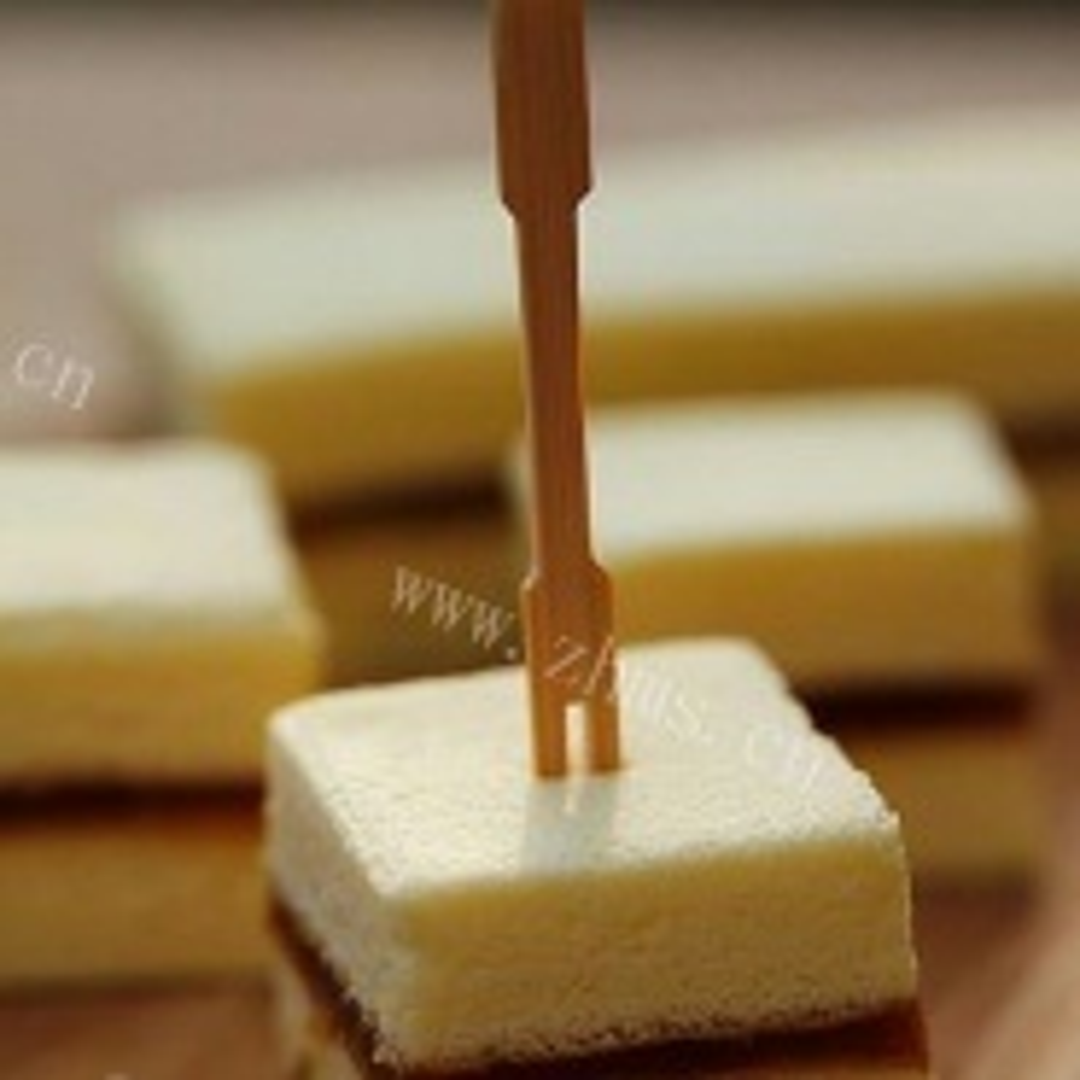 椰香果酱夹心蛋糕