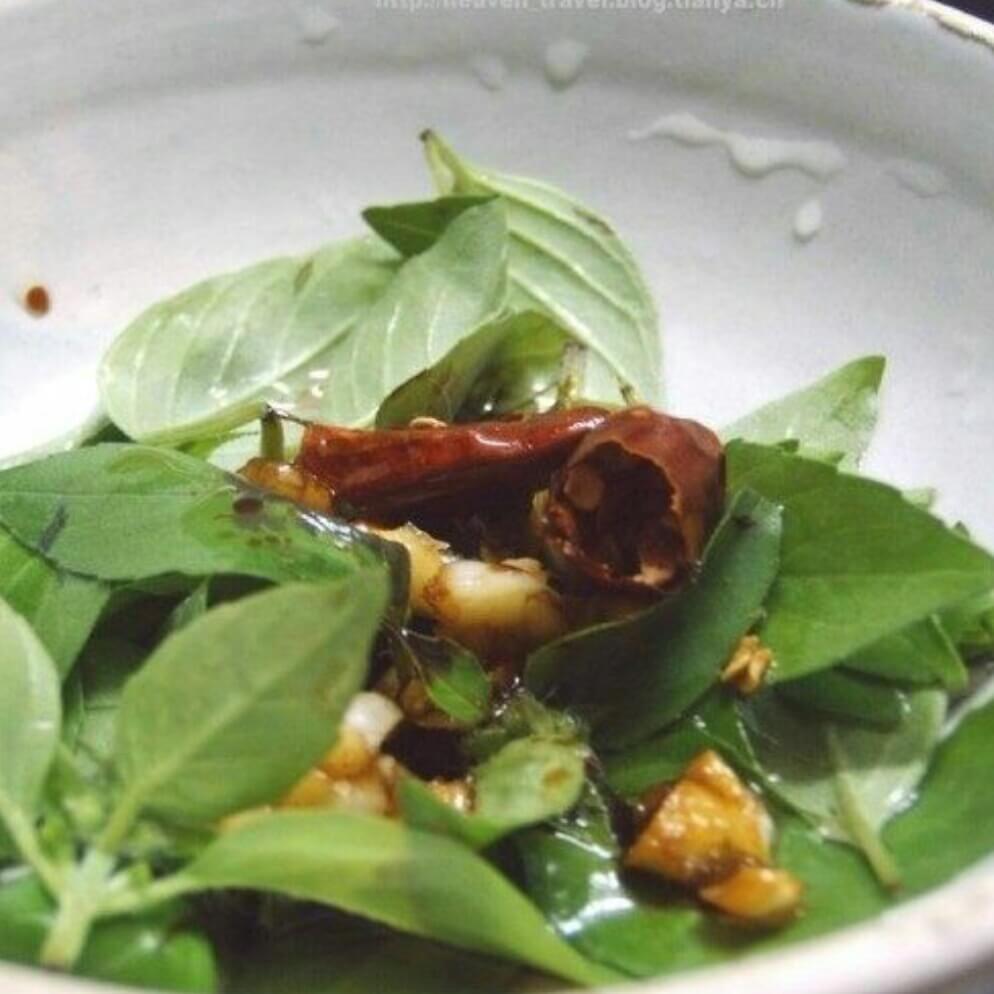 凉拌荆芥菜