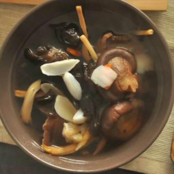 木耳香菇汤