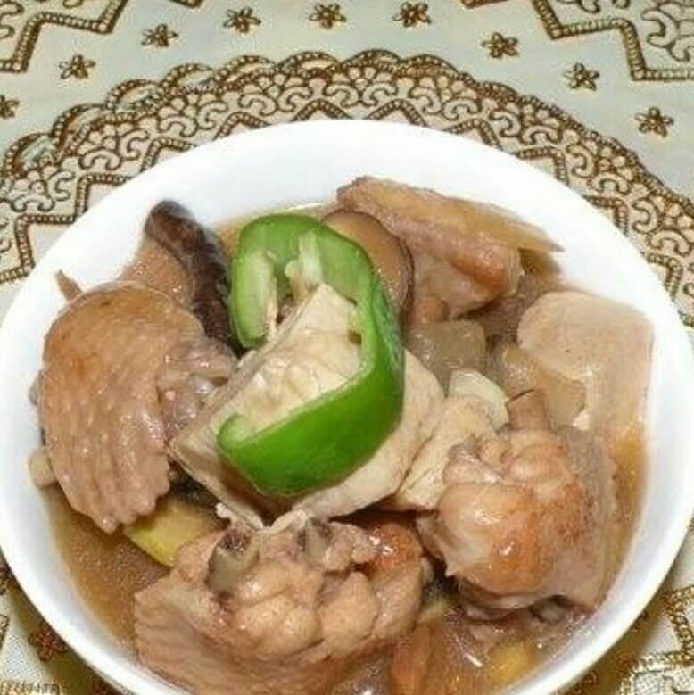 冻豆腐香菇鸡翅煲