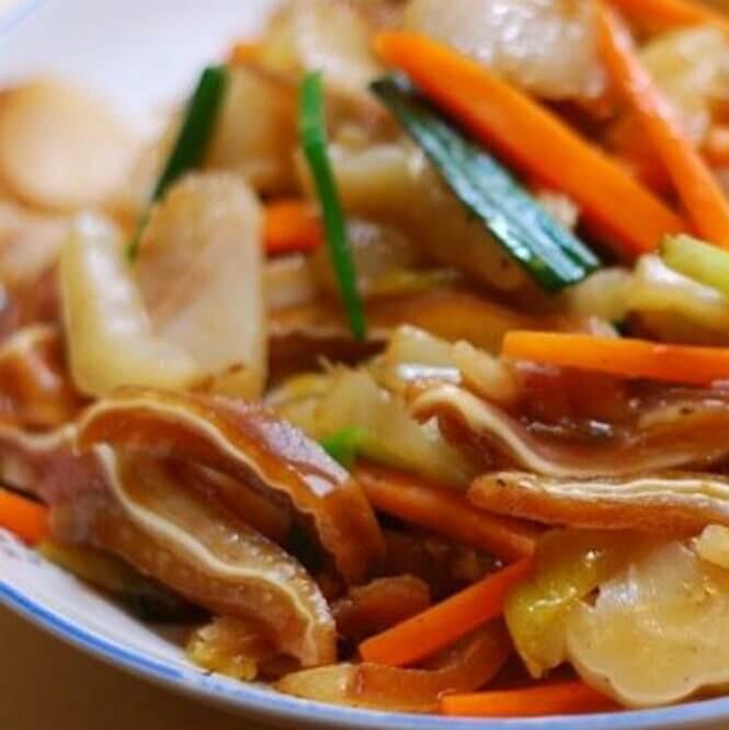 酸菜炒猪耳