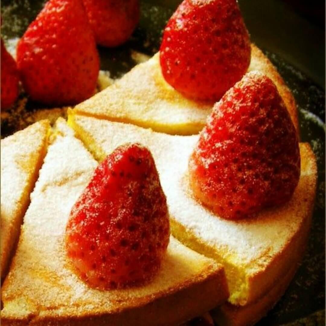 蓝莓夹心薄饼蛋糕
