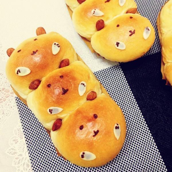 面包雕塑之三只熊
