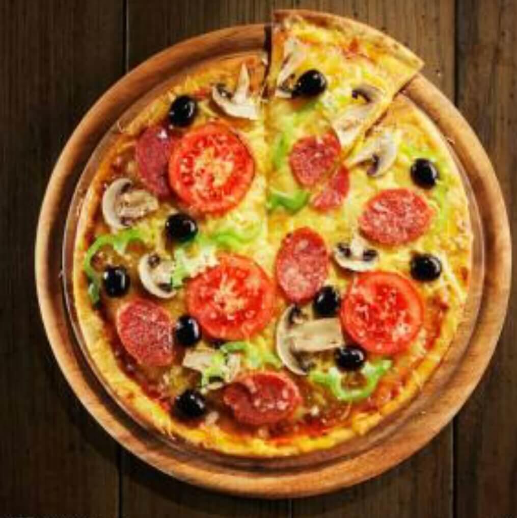 火腿香肠脆皮披萨