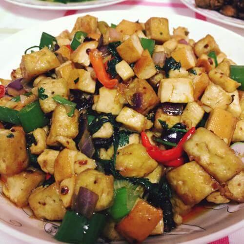 豆干炒蔬菜丁