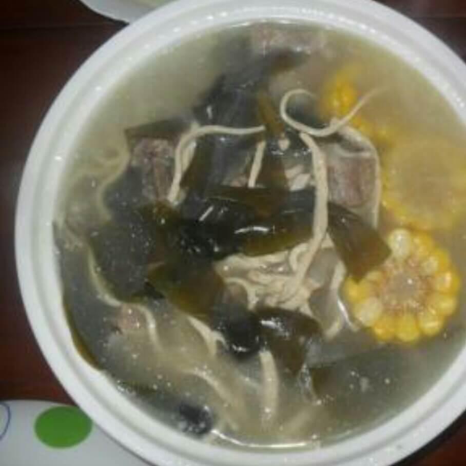 排骨豆皮汤