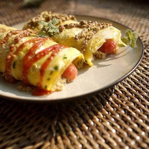 西红柿香肠蛋饼