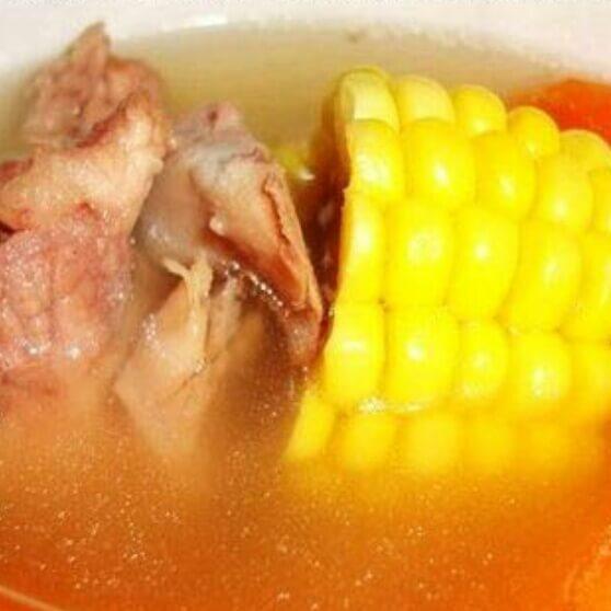 红萝卜玉米煲龙骨