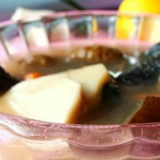 板栗菌菇乌骨鸡汤