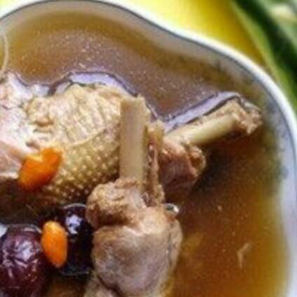 红枣炖土鸡