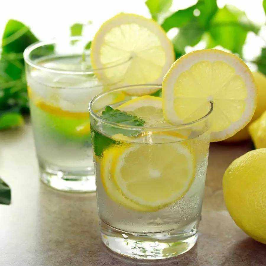诱人的蜂蜜柠檬水