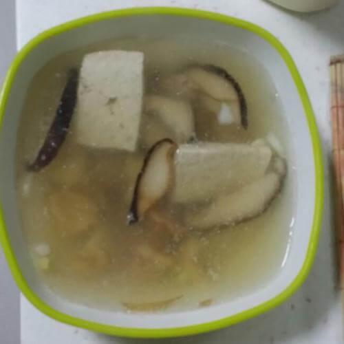 秀珍菇排骨汤