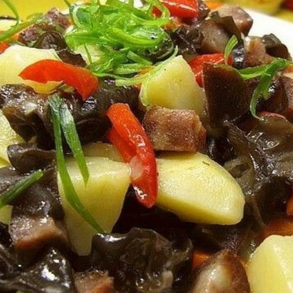 木耳土豆炒熏肠