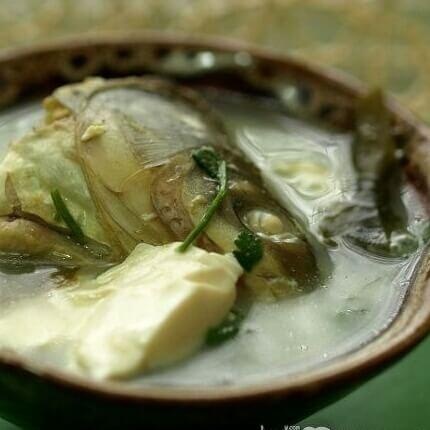 鱼头海带豆腐煲
