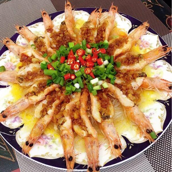 美味蒜蓉粉丝蒸虾