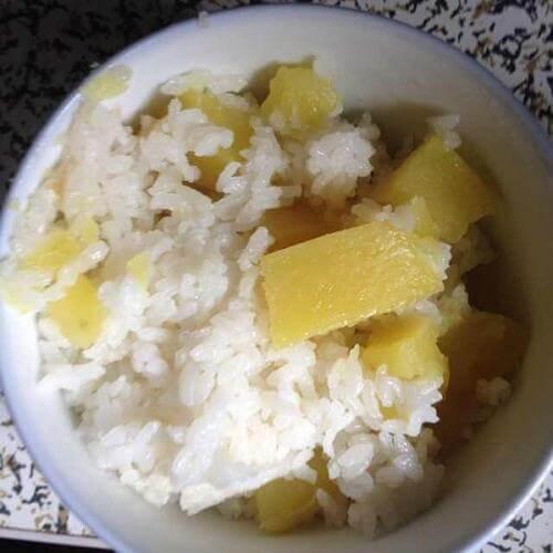 红薯丁米饭