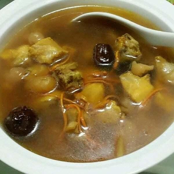 无花果红萝卜瘦肉汤