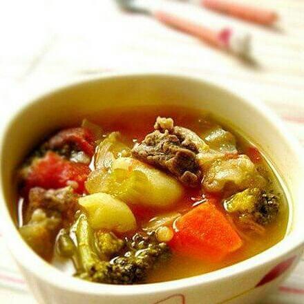 牛肉杂蔬汤