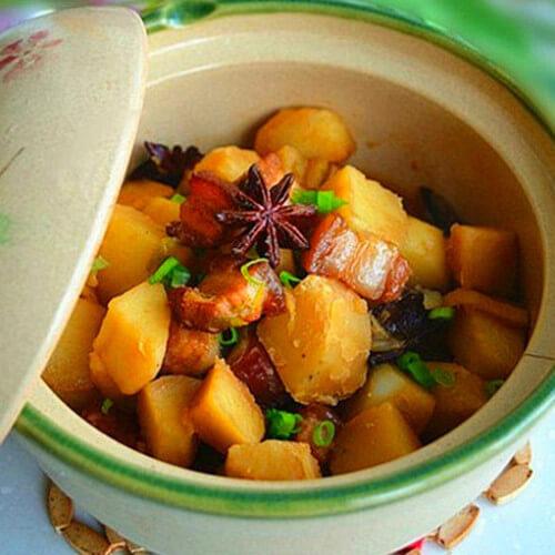 土豆焖五花肉