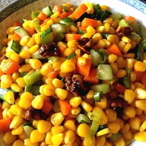 玉米核桃炒鸡肉粒