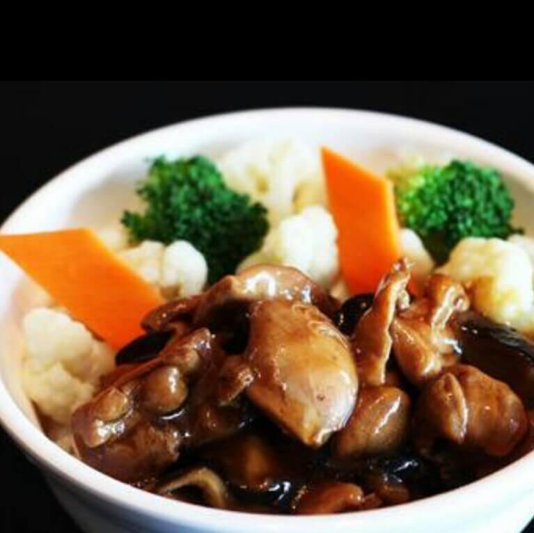 鲜蔬牛肉饭