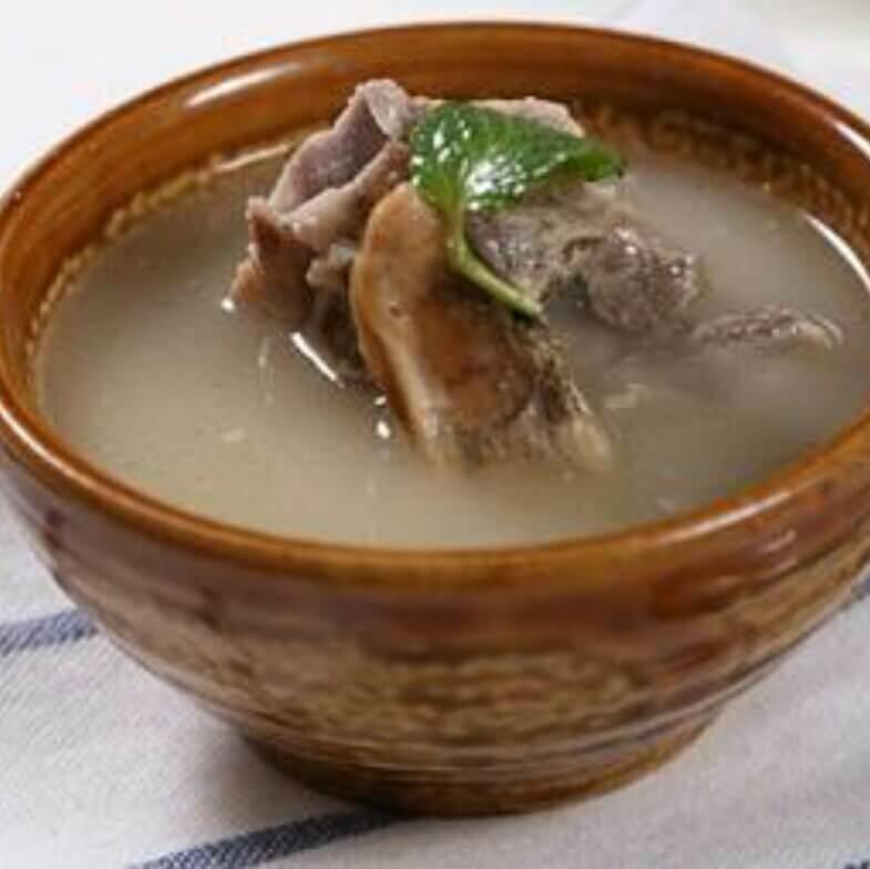 好喝的红菇蛏干汤
