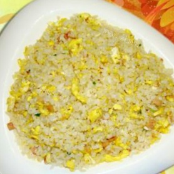 黄金鸡丁米饭