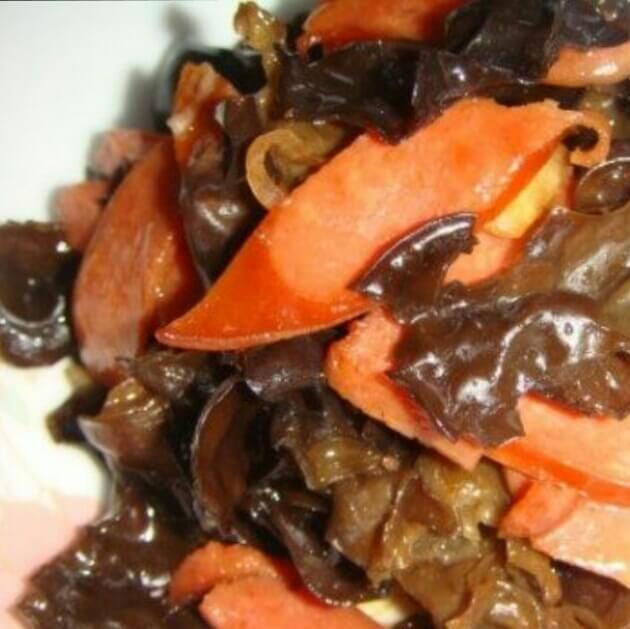蒜蓉烤肠+木耳