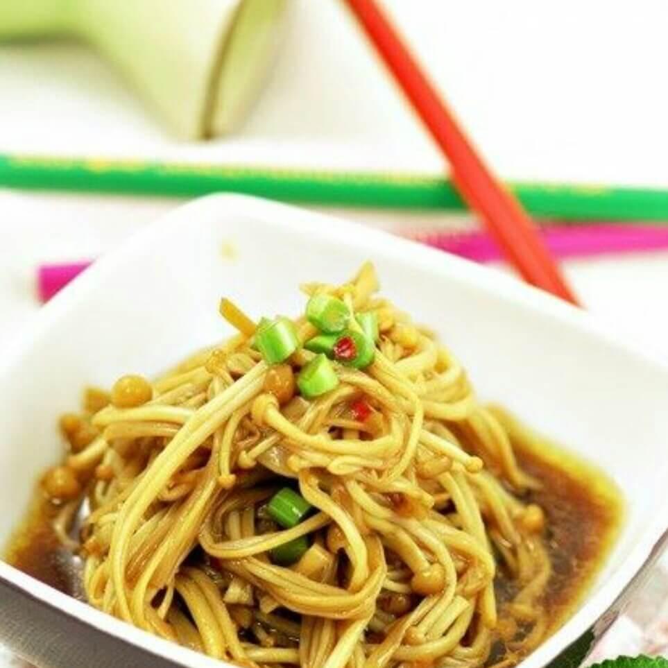 蒜苔拌金针菇