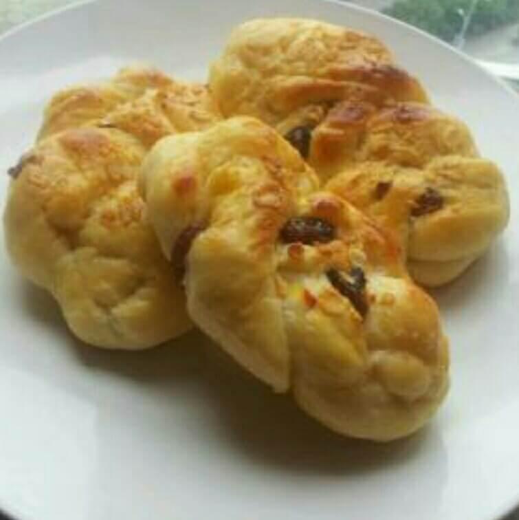 葡萄干肉桂面包
