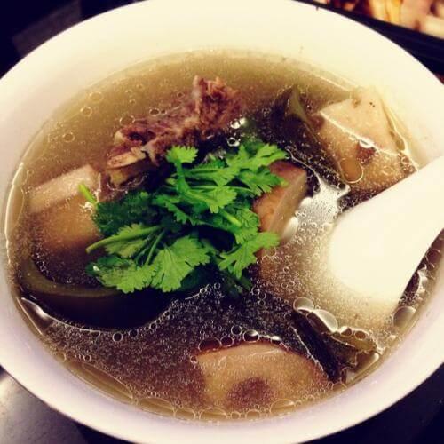 蛤蜊莲藕海带汤