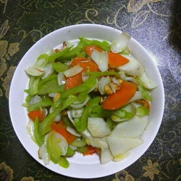 腰果莴笋炒山药