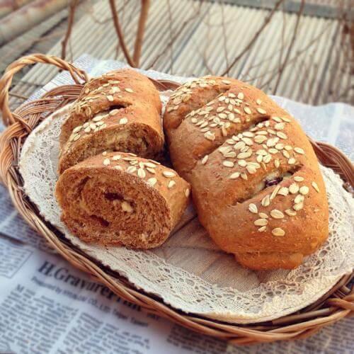 杂粮面包卷
