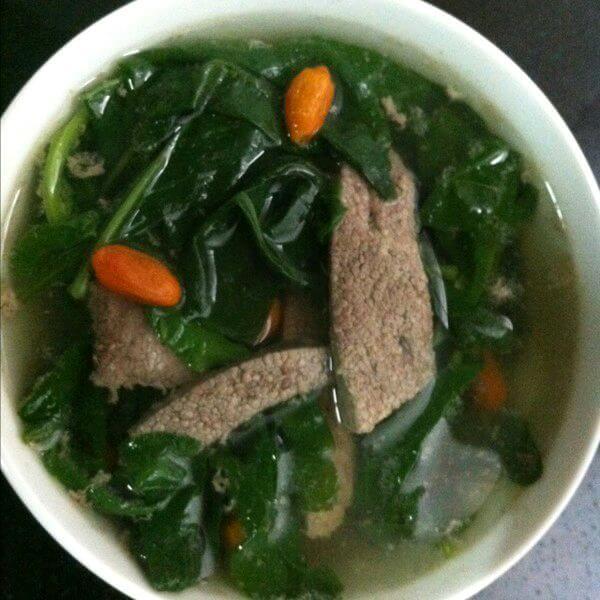 家常菜猪肝野菜汤