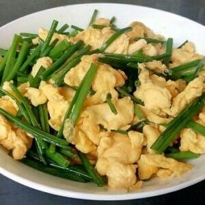 韭菜炒鸡蛋豆腐