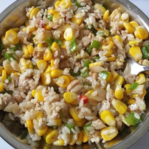 青椒玉米炒饭