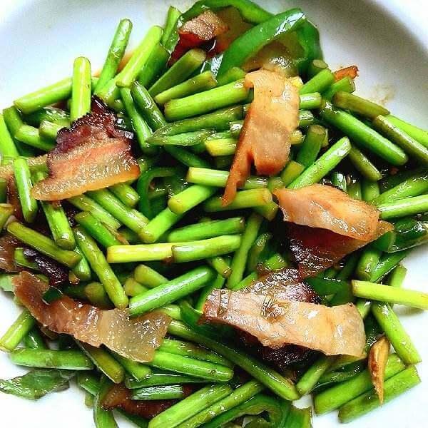 蒜薹炒猪头肉