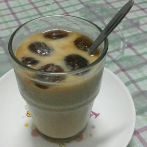 彩虹冰咖啡