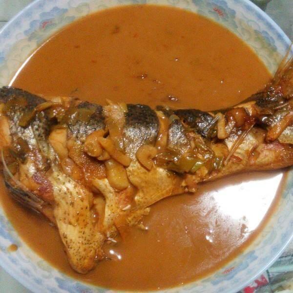 辣椒和鱼尾