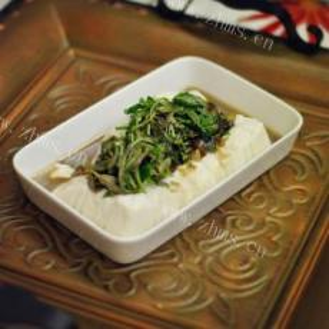 美丽厨娘------香椿拌豆腐