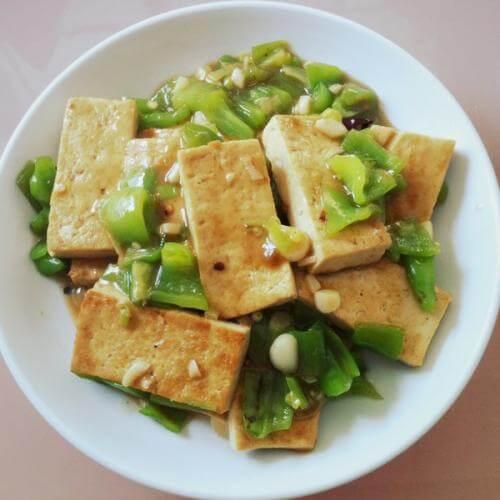 煎酿油豆腐