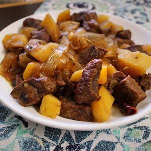 家常菜牛肉炖土豆