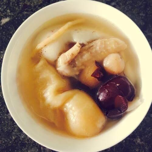 土鸡红枣汤