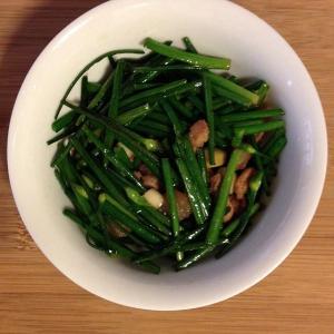 清炒韭菜花