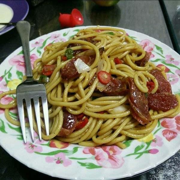 鲜番茄香肠意粉
