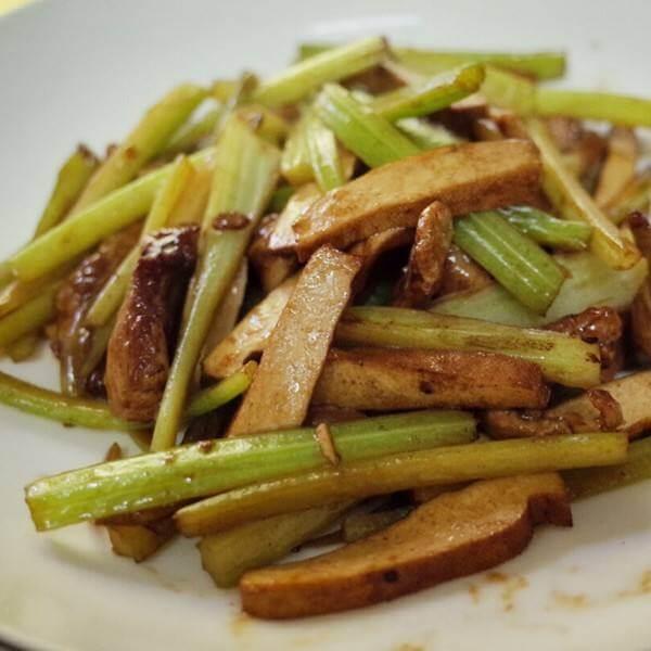 香干芹菜炒肉丝